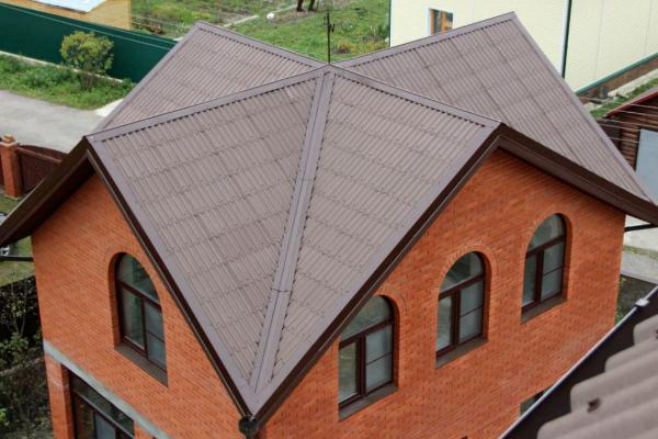 Крыша четыре фронтона