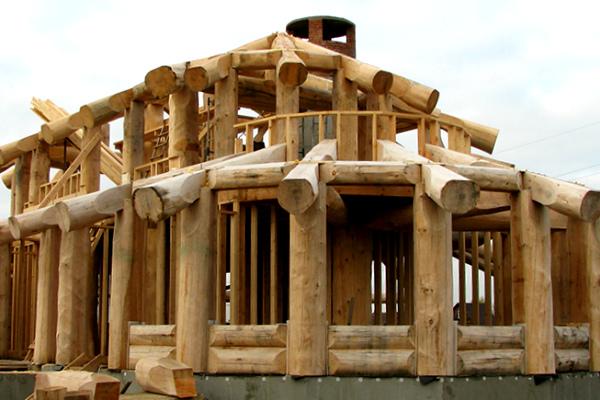 Каркасно-бревенчатый дом